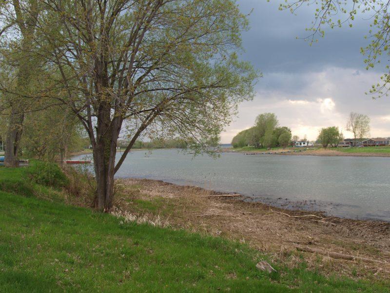 Les parcs de Sainte-Anne-de-Sorel ont leur charme avec leur vue sur le fleuve et les îles. | Photo: TC Média – Louise Grégoire-Racicot
