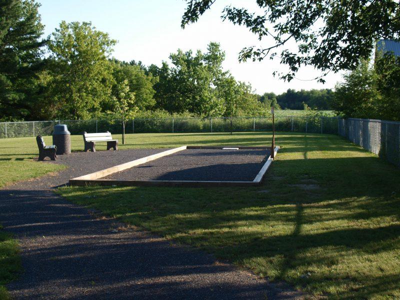 Le village de Saint-Gérard-Majella est petit, agricole et modeste, mais il a deux parcs – celui des loisirs et celui de pétanque – qui font sa fierté. | Photo: TC Média – Louise Grégoire-Racicot