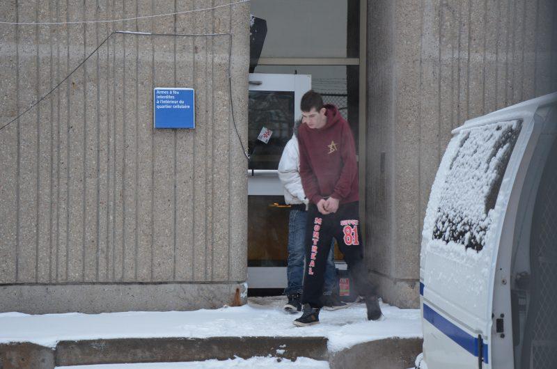 Martin Quinio lors de sa sortie du palais de justice de Sorel-Tracy. | TC Média – Jonathan Tremblay