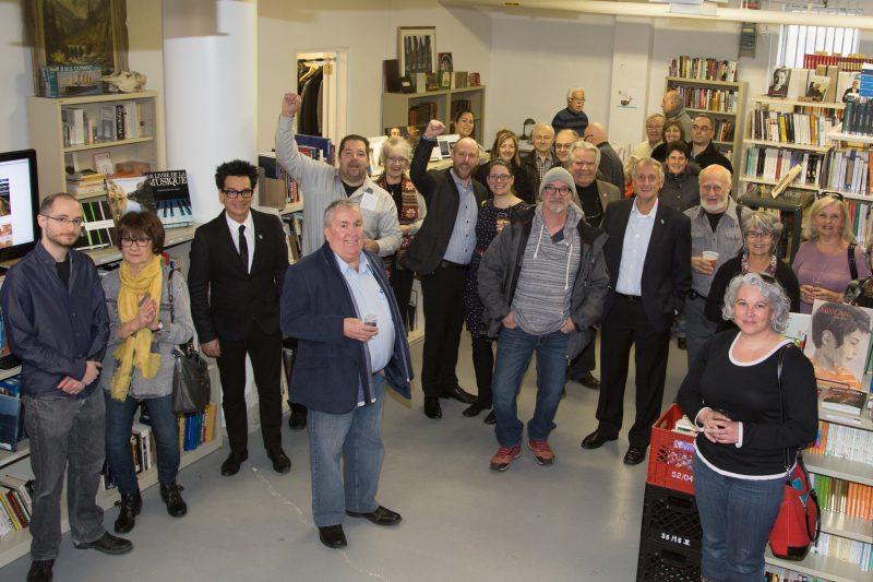 Le bouquiniste Jean-Philippe Thivierge a reçu une soixantaine de personnes lors de l'ouverture de son entrepôt de la Librairie Cargaison, le 21 mars dernier. | TC Média - Pascal Cournoyer