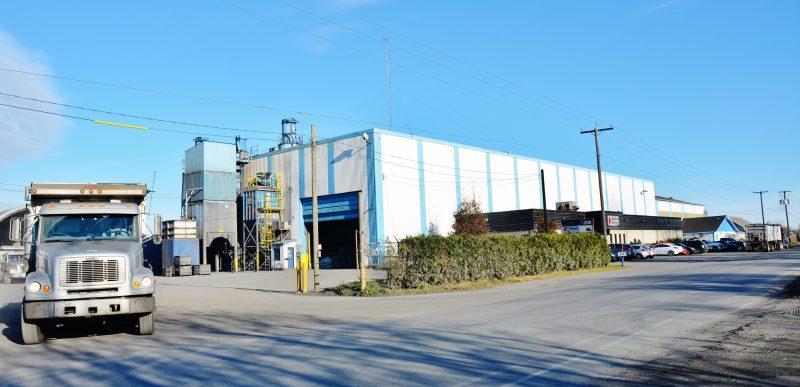 Un petit incendie a pris naissance dans un dépoussiéreur de l'entreprise Minéraux Mart à Sainte-Victoire-de-Sorel, le 21 juin vers 19h30.