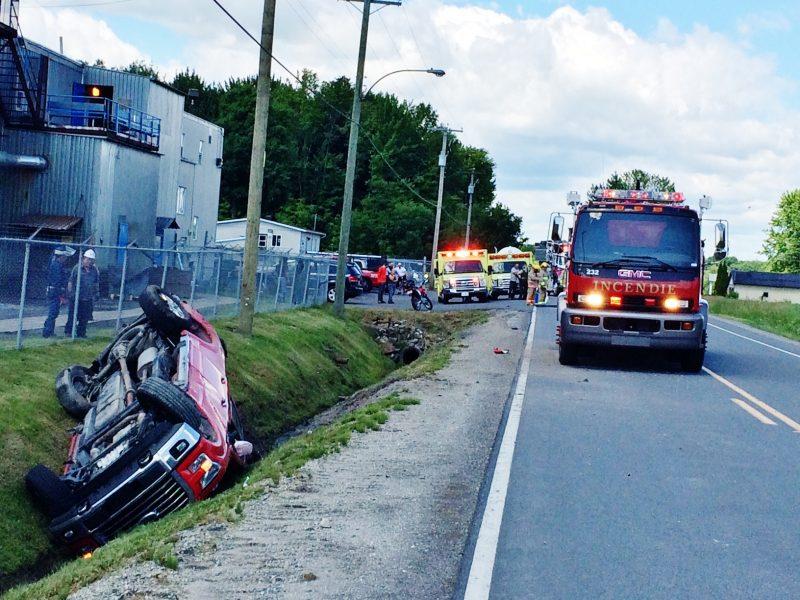 Une violente collision a eu lieu devant la Fonderie Laperle à Saint-Ours ce matin vers 10h15. | Photo: TC Média - Sarah-Eve Charland