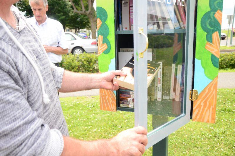 Les citoyens peuvent maintenant profiter de boîtes à livres dans huit lieux publics de Sorel-Tracy. | Photo: TC Média - Julie Lambert