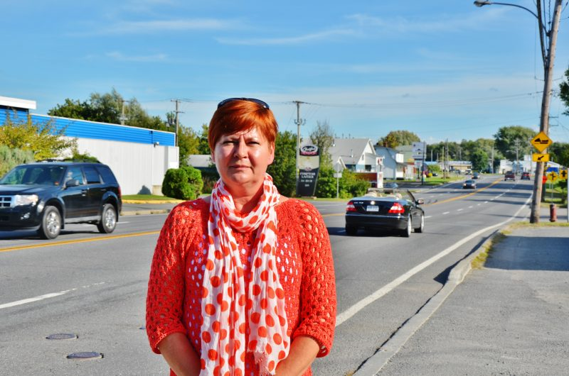 La conseillère Dominique Ouellet souhaite que la limite de vitesse de 50 km/h soit étendue jusqu'au 3025, boulevard Fiset, près du Royaume des luminaires. | Photo: TC Média – Julie Lambert