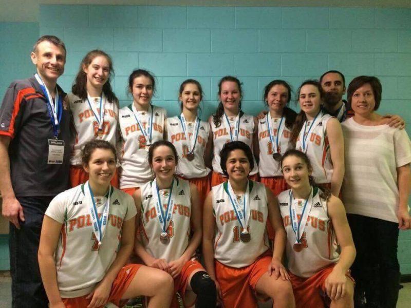 Les deux équipes de basketball féminin ont connu une saison somme toute positive malgré les changements de directions. | Photo: Gracieuseté