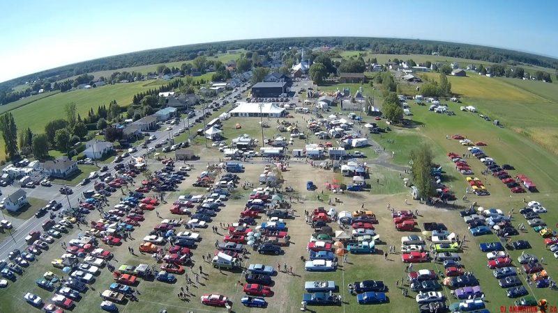 Des centaines de propriétaires de voitures anciennes se donneront rendez-vous à Sainte-Victoire-de-Sorel lors de l'événement du 2 au 4 septembre. | Photo: Gracieuseté