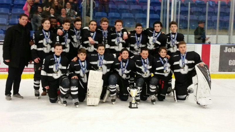 Les Sénateurs M16 de Drummondville, champions du Bauer Hockey Challenge Niagara Falls 2017. | Gracieuseté
