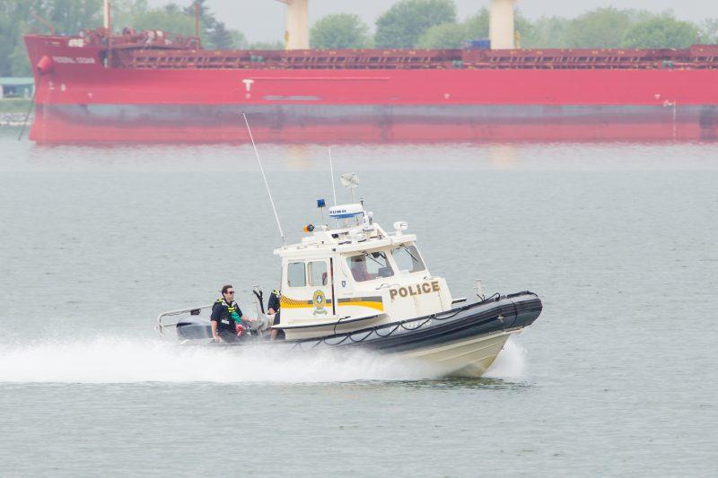 Des policiers ont récupéré un corps dans le fleuve Saint-Laurent à la hauteur de Contrecœur le 25 mai au matin. | Photo: Pascal Gagnon
