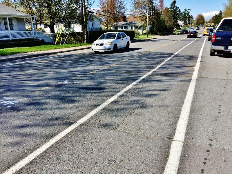 La Ville de Sorel-Tracy procède depuis plusieurs jours à la modernisation de son réseau cyclable municipal. | Photo: TC Média - Julie Lambert