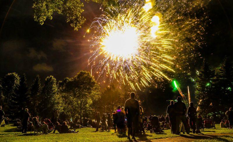 Entre 5000 et 7000 personnes fières de leur province ont célébré la Fête nationale au parc Regard-sur-le-fleuve à Sorel-Tracy le 23 juin. | TC Média - Pascal Cournoyer