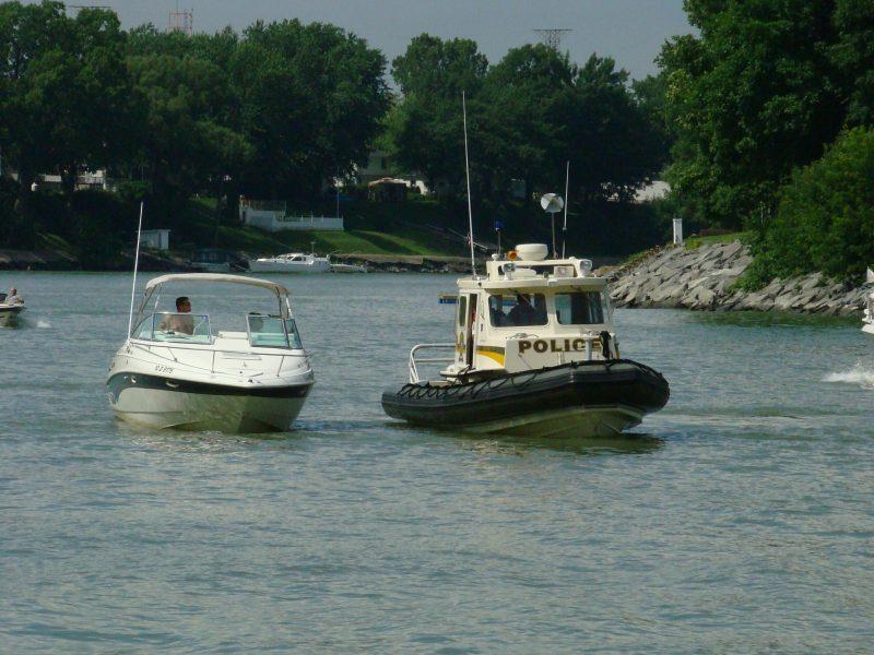 Les policiers poursuivront leurs patrouilles nautiques tout au long de l'été. | TC Média - archives