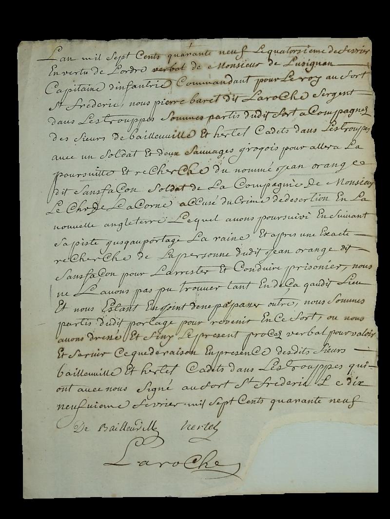 Le procès-verbal rédigé au fort Saint-Frédéric à la suite de la recherche infructueuse d'un déserteur et signé par Étienne Hertel de Saint-François-du-Lac. | Photo: Germain Martin
