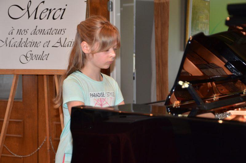 Une pianiste âgée de 10 ans, Justine Bordeleau, participera au Festival concours de musique classique. | TC Média - Sarah-eve Charland