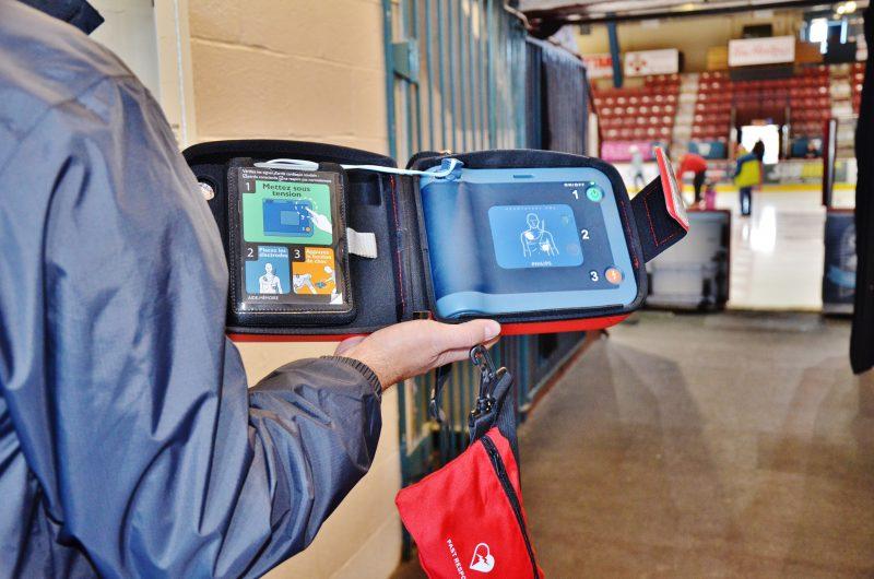 Le nombre de défibrillateurs cardiaques est en hausse partout dans la région. | Photo: TC Média - Julie Lambert