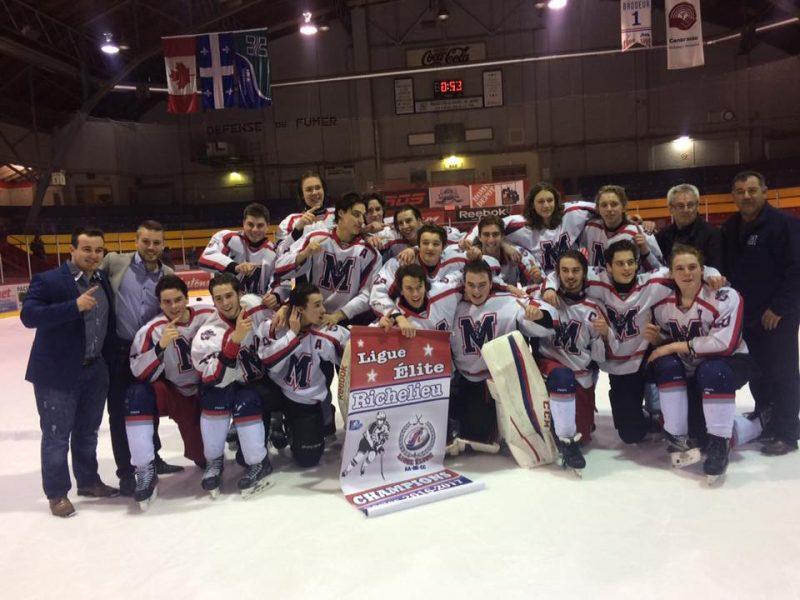 Les Mariniers Midget BB ont remporté la finale des séries éliminatoires en plus de terminer premiers au classement régional. | Tirée de Facebook