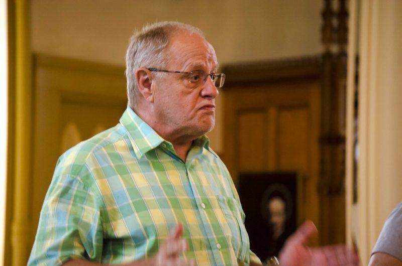Le citoyen Reynald Bergeron a clairement demandé que le conseil municipal se penche sur la possibilité d'appliquer les droits acquis de certains citoyens. | Photo: TC Média – Stéphane Martin