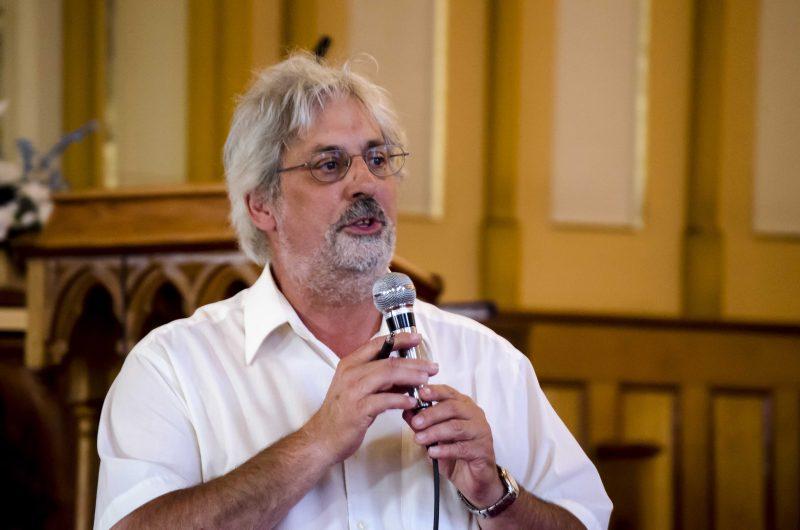 Le maire Michel Péloquin a dû calmer le jeu à plusieurs reprises pendant la soirée d'information. | Photo: TC Média – Stéphane Martin