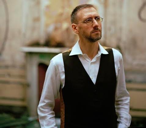 L'auteur-compositeur et pianiste Jean-Philippe Collard-Neven sera en spectacle le 31 octobre. | Photo: Gracieuseté