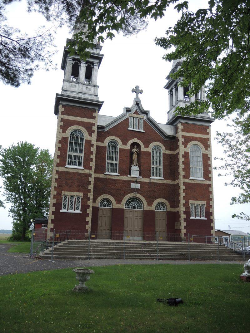 Des tests ont révélé que les murs de l'église de Saint-Gérard-Majella contenaient de l'amiante.   TC Média - Sarah-Eve Charland