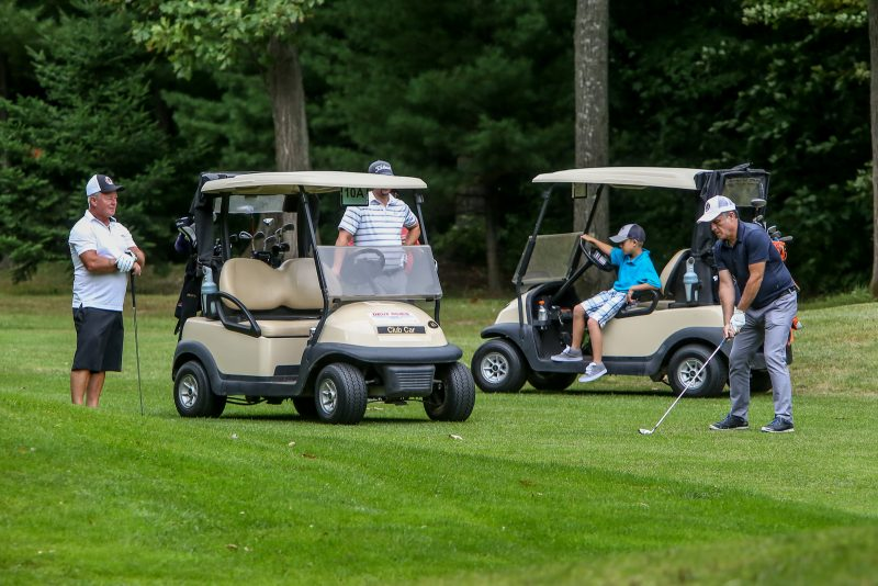 Les golfeurs ont été nombreux sur les parcours cet été. Cette photo a été prise lors du dernier tournoi de l'équipe de hockey des Éperviers de Sorel-Tracy, au Club Les Dunes. | Photo: TC Média – Pascal Cournoyer