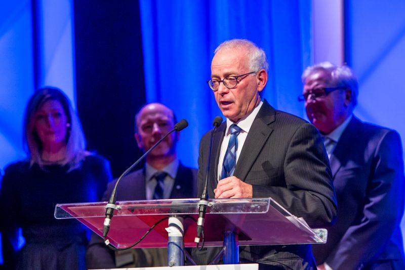 Pierre Millette, de Danis Construction, a reçu le prix le plus prestigieux de la soirée, soit le Grand Bâtisseur. | Pascal Cournoyer