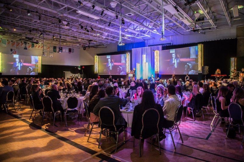 Environ 400 personnes étaient présentes pour le 32e Gala du mérite économique, au Cégep de Sorel-Tracy, le 29 avril. | Pascal Cournoyer