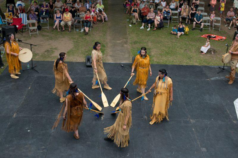 Le Pow Wow rassemble, bon an mal an, petits et grands. | TC Média - Archives