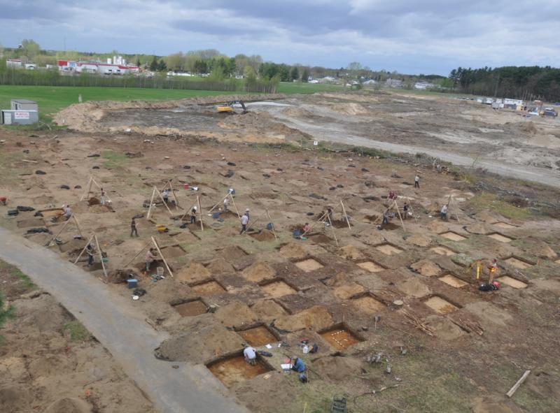 Une quarantaine d'archéologues ont été mis à contribution. Ils ont excavé plus de 3770 mètres carrés de terrain | Tirée du rapport