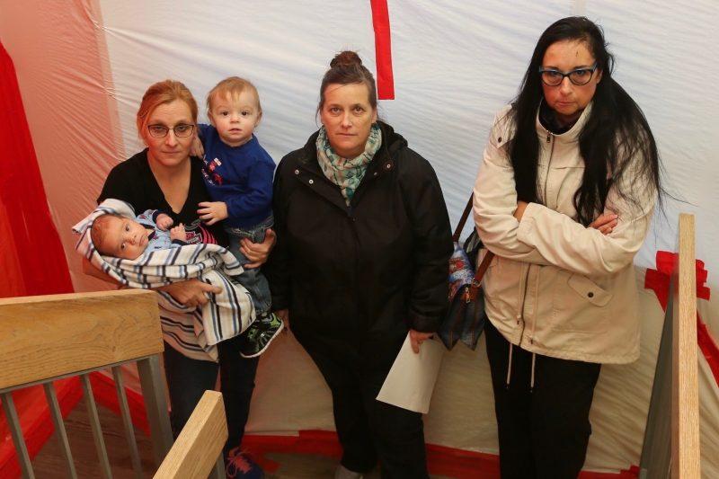 Des locataires dénoncent les conditions dans lesquels ils vivent depuis plusieurs semaines. | Photos par Pascal Cournoyer