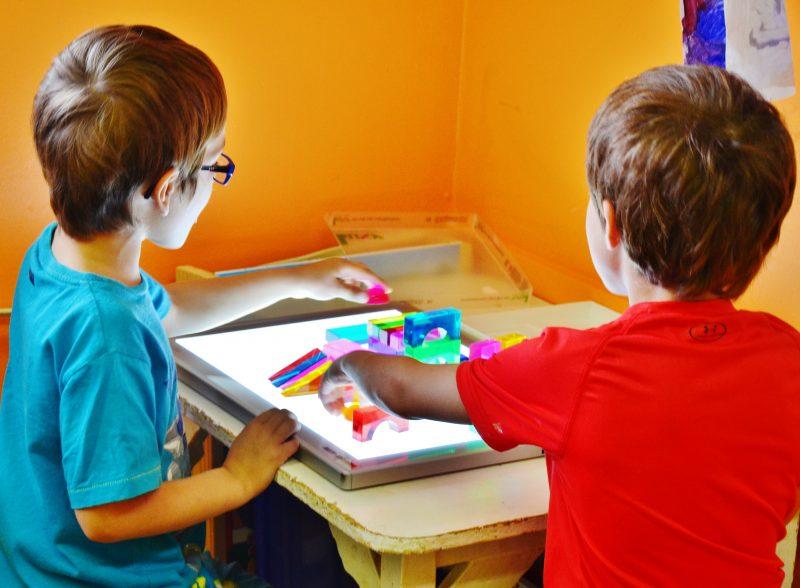 Les CPE déplorent que la qualité des services aux enfants pourrait être affectée par les nouvelles coupures du gouvernement. | Photo: TC Média - Julie Lambert