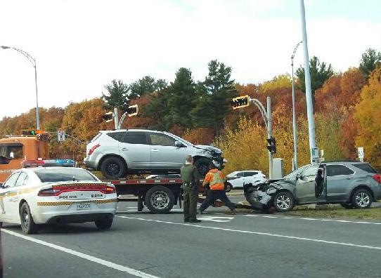 Un accident impliquant deux véhicules a fait deux blessés mineurs, le 31 octobre. | Photo: gracieuseté