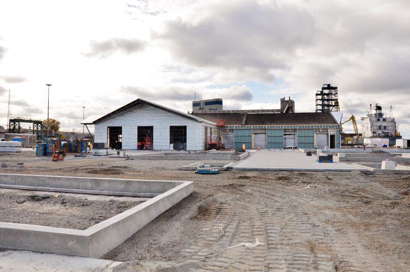 Le vieux bâtiment fait place à une installation plus moderne pour accueillir les citoyens et visiteurs | Photo: TC 'édia - Julie Lambert