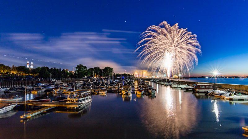 Les feux d'artifice du 23 juin 2016 au parc Regard-sur-le-Fleuve, gracieuseté de l'excellent Pascal Gagnon (PG Photographe). | PG PhotoGraphePascal Gagnon