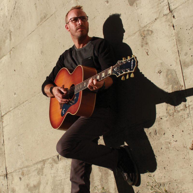 Patrick Larivée interprétera huit chansons de son album intitulé Touch the Sky le 22 septembre. | Photo: Gracieuseté - Cameron Mac Kay