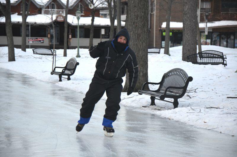Marco St-Hilaire patine tous les jours au carré Royal depuis 15 ans. | TC Média - Sarah-Eve Charland