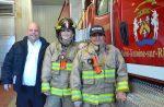Quatre pompières dans le feu de l'action