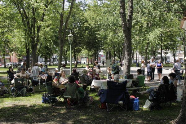 Du tricot en public à Sorel-Tracy le 9 juin