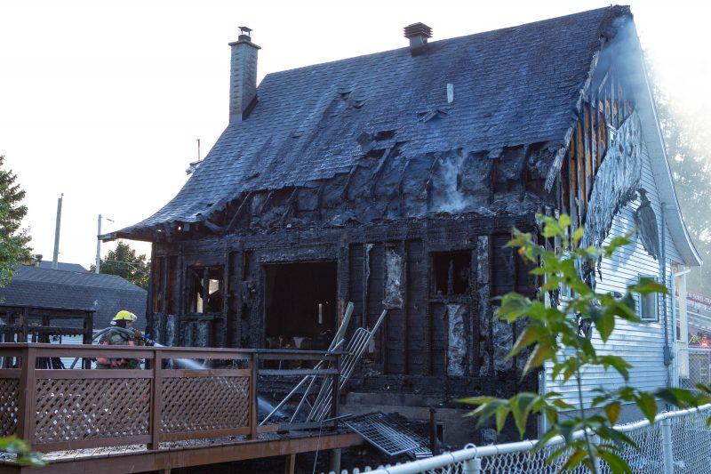 La résidence, située à Sainte-Anne-de-Sorel, est une perte totale. (Photo: Pascal Gagnon)