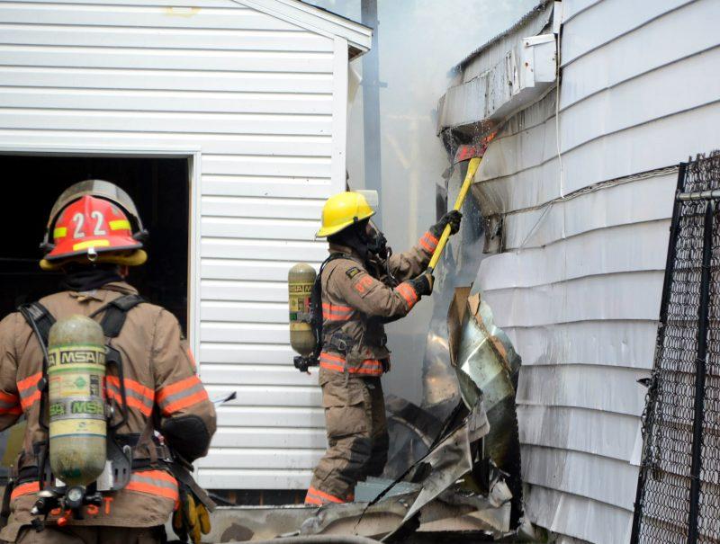 L'incendie a été déclenché dans l'annexe de la résidence située sur la rue Saint-Paul à Sorel-Tracy. (Photo: Jean-Philippe Morin)