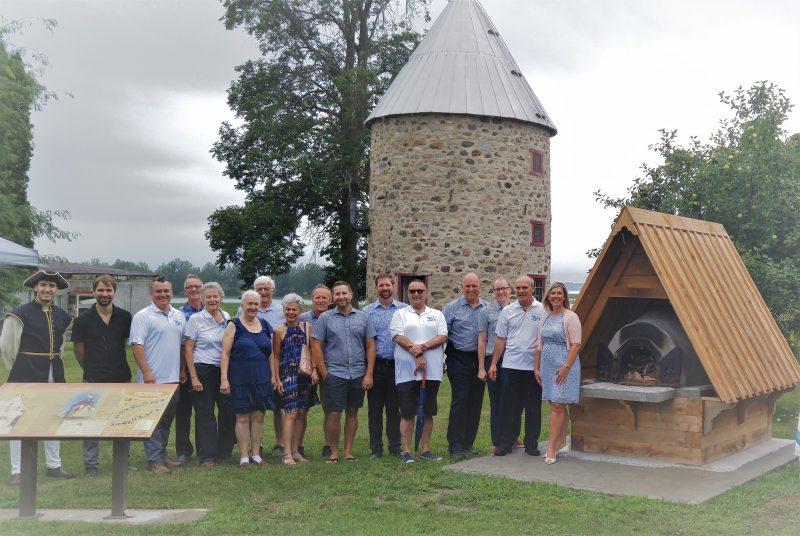 Le four à pain a été inauguré près du moulin Chaput dans le cadre du 350e anniversaire de Contrecœur, le 4 août. (Photo: gracieuseté)