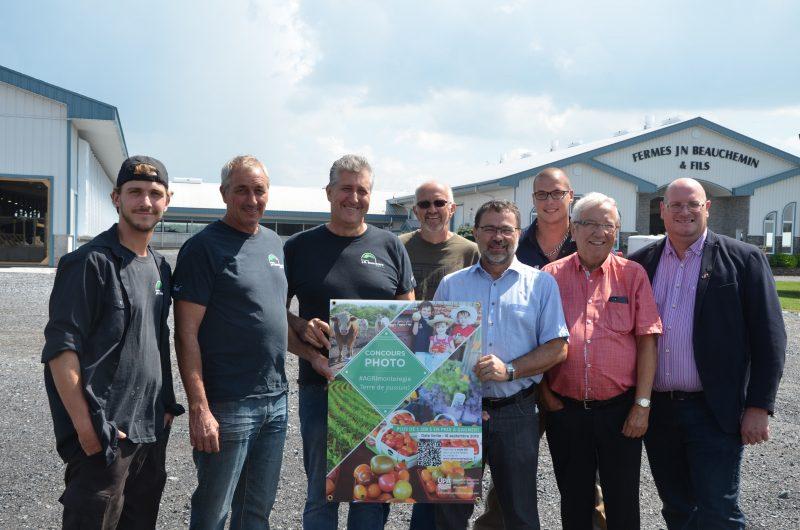L'UPA Montérégie a dévoilé l'identité des 19 fermes participantes à l'événement Portes ouvertes sur les fermes, le 9 août, à la ferme J.N. Beauchemin, à Saint-Ours. (Photo: Xavier Demers)
