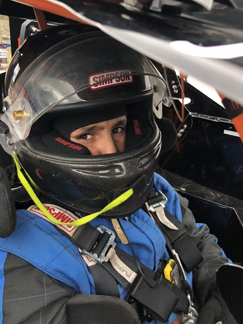 Le jeune coureur automobile, Bryan Préville, à bord de son bolide, le #51 (Photo: gracieuseté)