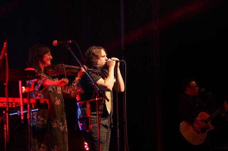 La violoniste Marie-Annick Lépine et le chanteur Karl Tremblay, des Cowboys Fringants  (Photo : gracieuseté/Jean-Marc Mainella)