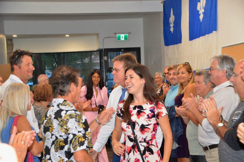 Catherine Fournier et Sylvain Rochon ont fait leur entrée en même temps pour saluer les militants. (Photo: Jean-Philippe Morin)