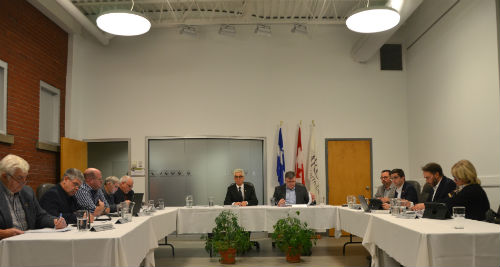 Plusieurs maires de la MRC de Pierre-De Saurel verront leur salaire augmenter en raison d'une nouvelle mesure fiscale au niveau fédéral.  Photo Katy Desrosiers | Les 2 Rives