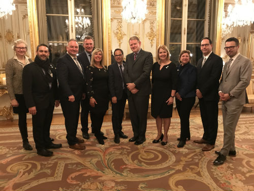 La mairesse Maud Allaire a participé, avec des maires de quelques villes du Québec, à la mission économique de l'UMQ en France, afin de recruter des travailleurs.