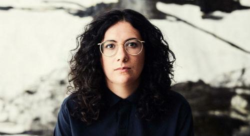 La pianiste Alexandra Stréliski fait partie des artistes qui seront de passage à la salle Georges-Codling. Photo gracieuseté