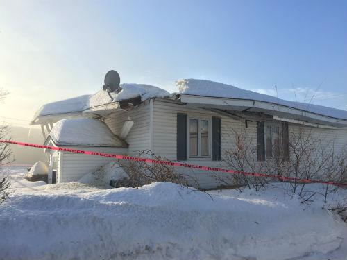 Les deux bâtiments qui se sont effondrés se trouvent sur le boulevard Fiset. Photo Katy Desrosiers | Les 2 Rives ©