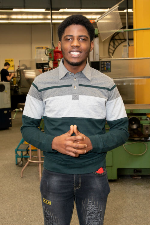 Aubin Fabeleu Djapi est inscrit au programme Techniques de génie mécanique. Photo Pascal Gagnon | Les 2 Rives ©