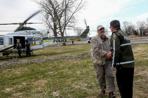 Le maire de Sainte-Anne-de-Sorel, Michel Péloquin, a pu prendre part à la visite aérienne de la zone inondée avec la Sûreté du Québec. Photo Les 2 Rives ©